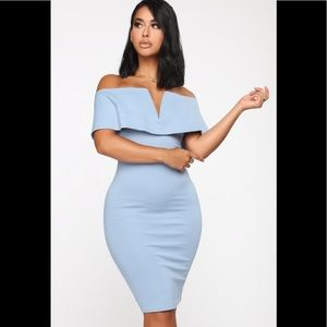 Lyla off shoulder Dress Blue Size L🦋